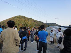 本田農場での参加者の皆さんの写真